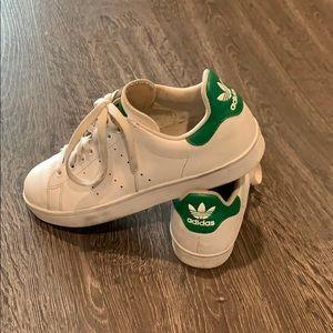 Adidas Stan Smith Tennis Shoes white green